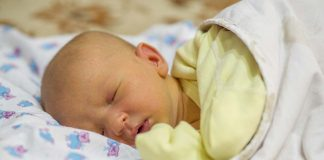 Breastfeeding and Jaundice - Causes, Treatment and Prevention